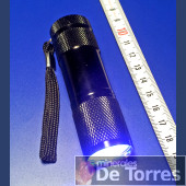 Linterna con LED de luz UV onda larga.