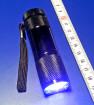 Linterna con LED de luz UV onda larga.